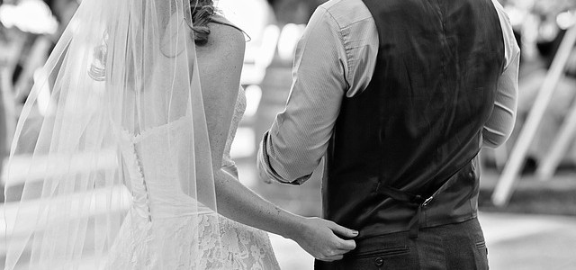 wedding-1164933_640